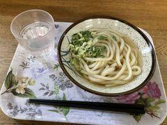 しんぷる~なかけうどん 天ぷらなどもあります う~ん うどん県のレベルが高すぎて、感動が薄いです
