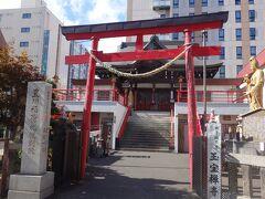 豊川稲荷札幌別院。 ちょこっと中を見てみましょう。