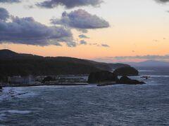 プユニ岬の夕日。 日没にほんのちょっと間に合いませんでした。 でもきれいですよー。 網走の方までよく見えます。