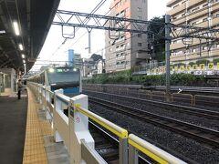 東十条駅は6時過ぎに出発。このところ大宮駅行きによく乗るかな。