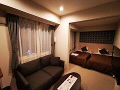 本日のお宿はクラッセステイ札幌。 こんな広くて一人4700円。