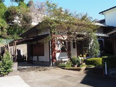 普門寺 洲崎大神の別当寺だったそうです。  江戸後期には本堂・客殿・不動堂などの建物を持ち、開港当時はイギリス士官の宿舎に充てられていました。