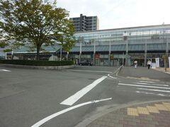 15:24 今治駅に到着。 もっと大きな市だと思っていましたが、小さく、人も少ないです。