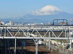 この日は前日の悪天候から一変!  いつもの場所から箱根・富士方面を展望!