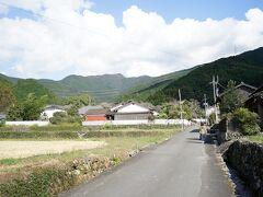 糸島から都市高速→九州道→大分道と車を走らせ、秋月城下町までやってきた。標高が高いためだろうか、空気がカラッとしていて気持ちがいい。
