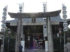 本日唯一の観光スポット 櫛田神社です~ 空港からタクシーで来ましたが意外に近いです~