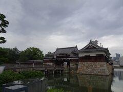 広島城に向かいます