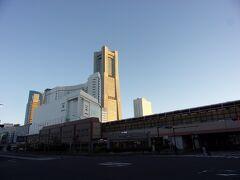 桜木町駅方面へ足を進めます。 もう朝から快晴ですヽ(^o^)丿。