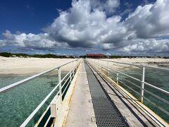 珊瑚や貝のかけらでできたコーラルサンドの島