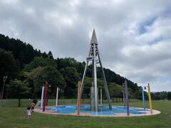 その後、うらほろ森林公園キャンプ場へ。この噴水広場で水遊びもできます。