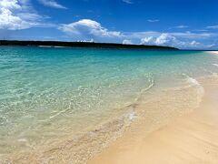 宮古島に行ったらぜひ立ち寄りたいビーチ。 最高に綺麗で、波もあまりなくとても静かでした。