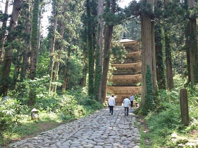 インスタ映えの宝庫!山形観光で行くべき名所17選!山寺、銀山温泉など