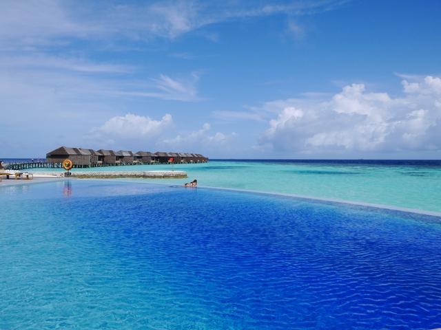 憧れのモルディブ、水上コテージのホテルTOP10。うらやましくなるクチコミがいっぱい!