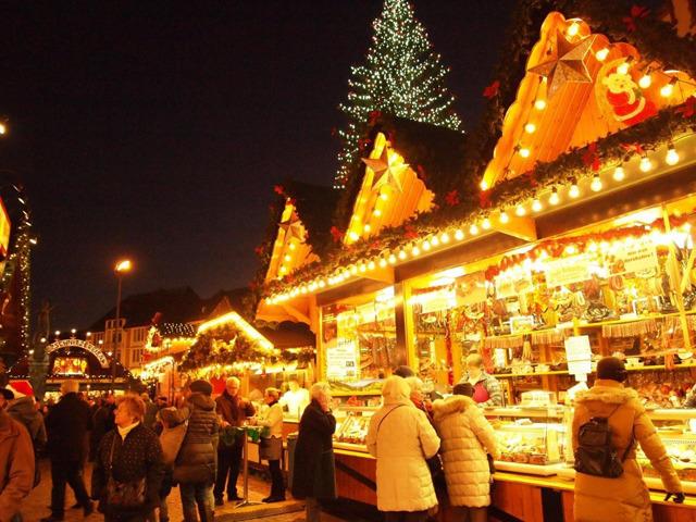 幻想的な世界にうっとり。海外のクリスマスマーケット!