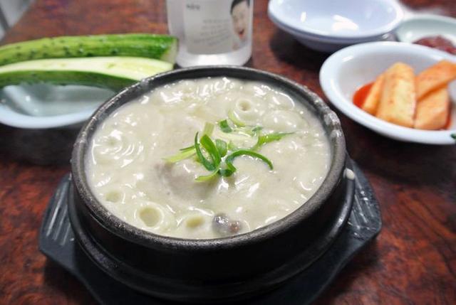 元祖湖水参鶏湯