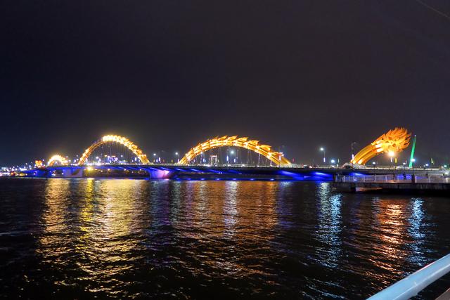 ロン橋(ドラゴンブリッジ)