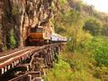 泰麺鉄道と船で訪れる カンチャナブリ「戦場にかける橋」観光ツアー<1日/ビュッフェランチ付>