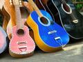 ジプニーに乗って。ギターの故郷、マクタン島ローカルめぐり♪