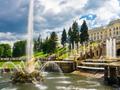ペトロドヴァリエツ大宮殿と噴水の庭園観光ツアー<サンクトペテルブルク発>