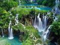 世界遺産 プリトヴィッツェ湖群国立公園 日帰りプライベート観光ツアー<ザグレブ発>