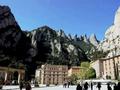 モンセラットとガウディのコロニア・グエル 1日観光ツアー<バルセロナ発>