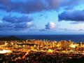 人気の夜景スポット ハワイ タンタラスの丘 プロ並みカメラマンの撮影付き 夜景鑑賞ツアー
